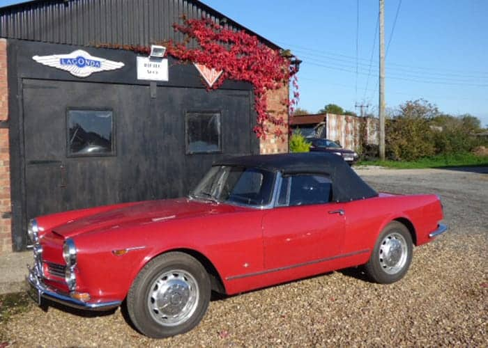 Red Alfa Romeo 2600 spider
